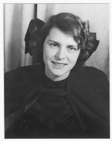 Portrait photograph of Margaret Bourke-White. Margaret Bourke-White, Carl Van Vechten.