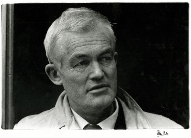 Photograph of Colin MacInnes at the 1962 International Writers Conference. Colin MacInnes, Peter Keen.