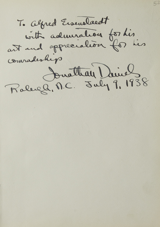 Autograph Note Signed to Alfred Eisenstaedt. Alfred Eisenstaedt, Jonathan Daniels.