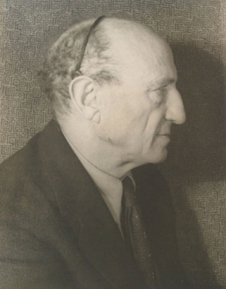 Portrait photograph of Leo Stein