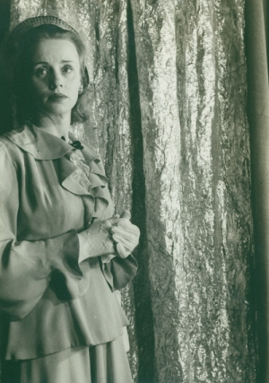 "Portrait photograph of Jessica Tandy as Blanche in ""A Streetcar Named Desire"" Jessica Tandy, Carl..."
