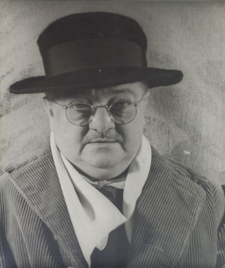 Portrait photograph of Alexander Woollcott