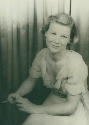 "Portrait photograph of Barbara Bel Geddes as ""Maggie"" in CAT ON A HOT TIN ROOF"