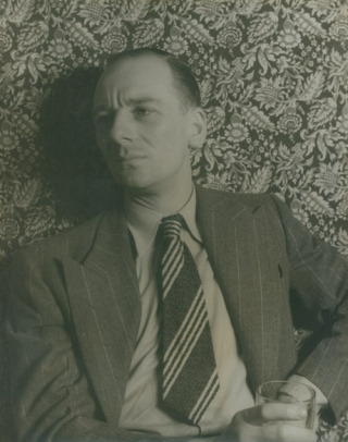 Portrait photograph of John Gielgud