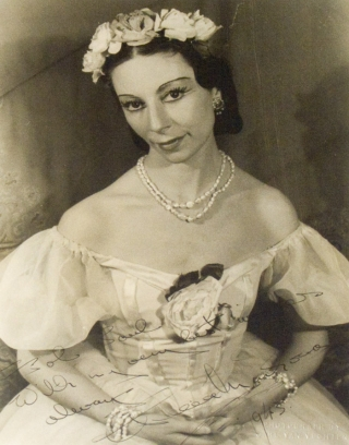 Portrait photograph of Alicia Markova as Marie Taglioni in PAS DE QUATRE. Alicia Markova, Carl Van Vechten.