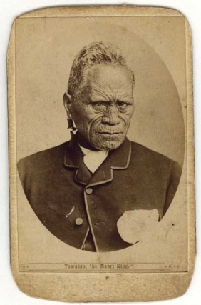 "Carte de visite portrait of Tawhiao, 2nd Maori King, captioned ""Tawahio [sic] the Maori King"""