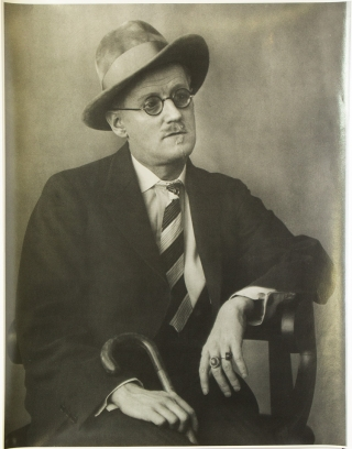 James Joyce. Berenice Abbott