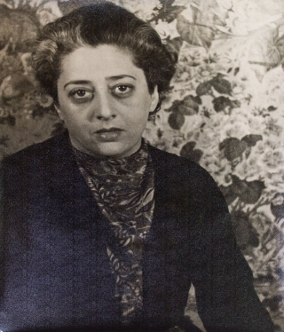 Portrait photograph of Beatrice Kaufman. Beatrice Kaufman, Carl Van Vechten